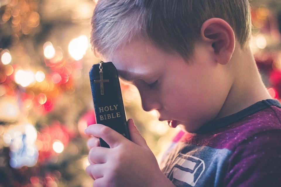 Chrześcijaństwo zamknięte w prezentach
